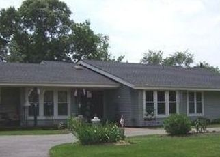 Pre Foreclosure in Huntington Station 11746 CALUMET DR - Property ID: 1124033714