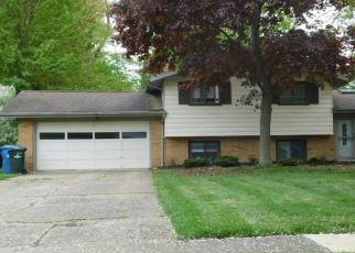 Pre Foreclosure in North Olmsted 44070 BERKSHIRE DR - Property ID: 1124218986