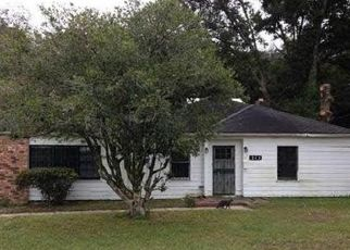 Pre Foreclosure in Pensacola 32506 WILLOW ST - Property ID: 1124921930