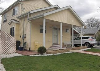 Pre Foreclosure in Lake Station 46405 RIVERSIDE DR - Property ID: 1125556994