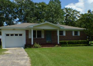 Pre Foreclosure in Chipley 32428 MAPLE ST - Property ID: 1126620377
