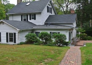 Pre Foreclosure in Cold Spring Harbor 11724 TURKEY LN - Property ID: 1127277788