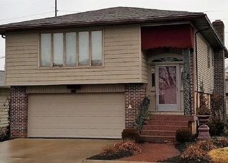 Pre Foreclosure in Wapakoneta 45895 LIMA ST - Property ID: 1133525480