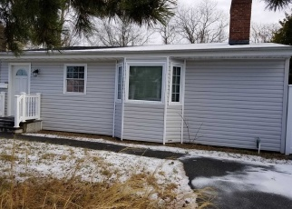 Pre Foreclosure in West Islip 11795 E BAY DR - Property ID: 1134896334