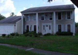 Pre Foreclosure in Tampa 33624 WOODSIDE MANOR DR - Property ID: 1135646592