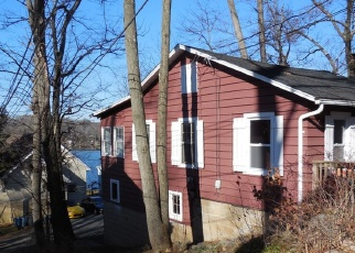 Pre Foreclosure in Lake Hopatcong 07849 NEW JERSEY AVE - Property ID: 1135724551