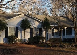 Pre Foreclosure in Charlotte 28212 BUTTERWICK LN - Property ID: 1136077557