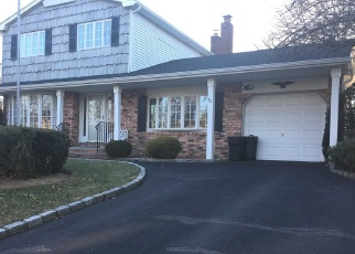 Pre Foreclosure in Hauppauge 11788 CARDINAL LN - Property ID: 1136442833