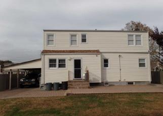 Pre Foreclosure in Massapequa 11758 N CEDAR ST - Property ID: 1136479616