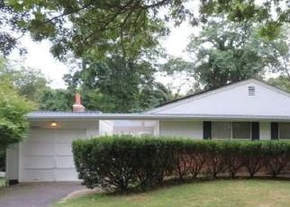 Pre Foreclosure in Smithtown 11787 MONROE CT - Property ID: 1137411623
