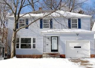 Pre Foreclosure in Beachwood 44122 LYNDWAY RD - Property ID: 1138332685