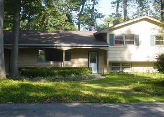 Pre Foreclosure in Michigan City 46360 BLACK OAK DR - Property ID: 1138692253