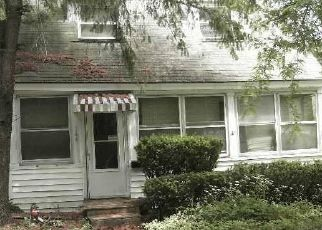 Pre Foreclosure in Syracuse 13209 BOULDER RD - Property ID: 1139221328