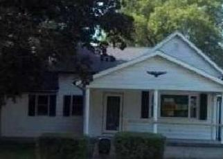 Pre Foreclosure in Greenfield 46140 WOOD ST - Property ID: 1140533952