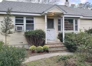 Pre Foreclosure in Center Moriches 11934 WADING RIVER RD - Property ID: 1141417328