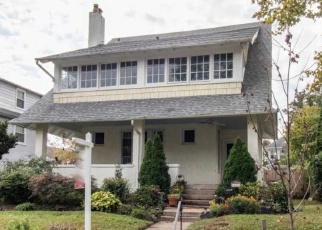Pre Foreclosure in Narberth 19072 WOODSIDE AVE - Property ID: 1141720856