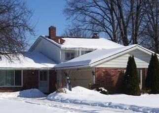 Pre Foreclosure in North Olmsted 44070 DOROTHY DR - Property ID: 1144831789
