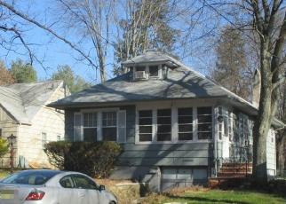 Pre Foreclosure in Livingston 07039 E HOBART GAP RD - Property ID: 1145375748