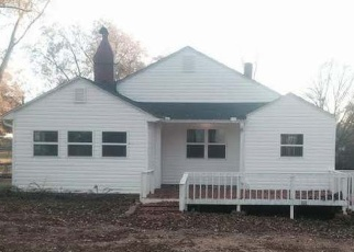 Pre Foreclosure in Greenville 29617 WOODLAND DR - Property ID: 1145551814