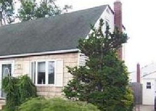 Pre Foreclosure in Copiague 11726 PLEASANTVIEW CT - Property ID: 1146708497