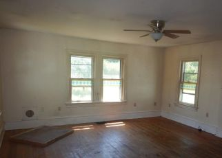 Pre Foreclosure in Mickleton 08056 W TOMLIN STATION RD - Property ID: 1146739594