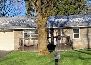 Pre Foreclosure in Camillus 13031 CAMILLUS DR - Property ID: 1147044871