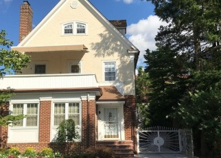 Pre Foreclosure in Forest Hills 11375 71ST AVE - Property ID: 1147172759