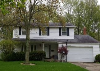 Pre Foreclosure in North Olmsted 44070 BELLEVUE DR - Property ID: 1147983890