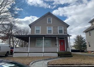 Pre Foreclosure in Amityville 11701 IRELAND PL - Property ID: 1149263639