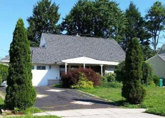 Pre Foreclosure in Levittown 19057 VERDANT RD - Property ID: 1149405544