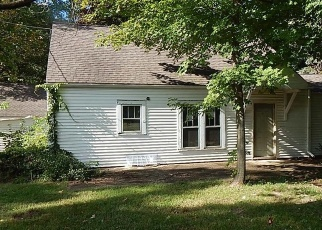 Pre Foreclosure in Michigan City 46360 WOODLAWN AVE - Property ID: 1149616645