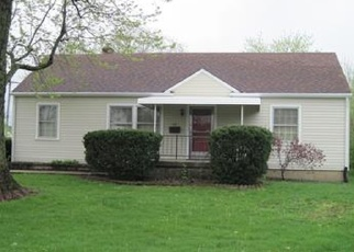 Pre Foreclosure in Indianapolis 46219 BURBANK RD - Property ID: 1149833886