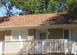 Pre Foreclosure in Farmingville 11738 TOWER HILL AVE - Property ID: 1150282812