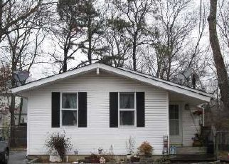 Pre Foreclosure in Mastic 11950 LEE PL - Property ID: 1150745750