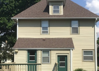 Pre Foreclosure in Waukesha 53186 MAPLE AVE - Property ID: 1150899921