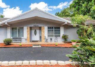 Pre Foreclosure in Fort Lauderdale 33317 SW 18TH ST - Property ID: 1150953339