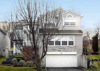 Pre Foreclosure in Hauppauge 11788 HAMLET DR - Property ID: 1152288281