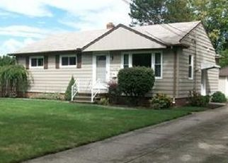 Pre Foreclosure in North Olmsted 44070 MILDRED AVE - Property ID: 1152905393