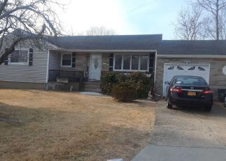 Pre Foreclosure in Centereach 11720 EASTWOOD BLVD - Property ID: 1153208924