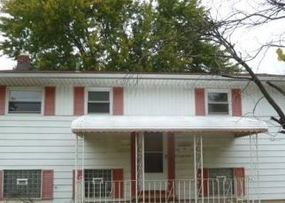 Pre Foreclosure in Brook Park 44142 HOLLAND RD - Property ID: 1156393415