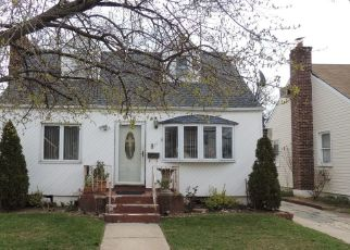 Pre Foreclosure in Valley Stream 11580 GREEN ST - Property ID: 1158279778