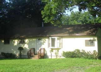 Pre Foreclosure in Clinton 13323 SANFORD AVE - Property ID: 1158894242