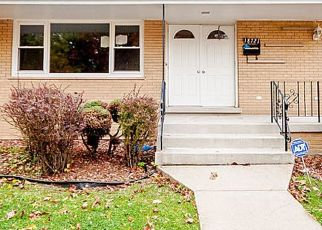 Pre Foreclosure in Lansing 60438 SHERMAN ST - Property ID: 1158971778