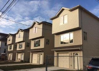 Pre Foreclosure in Staten Island 10302 PORT RICHMOND AVE - Property ID: 1159402298