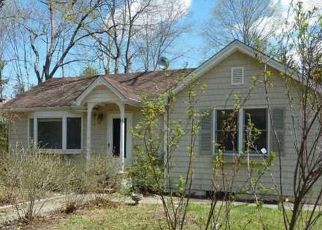 Pre Foreclosure in Yaphank 11980 PARK BLVD - Property ID: 1160431539