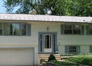 Pre Foreclosure in Carpentersville 60110 LOWELL DR - Property ID: 1160777989