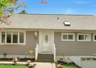Pre Foreclosure in Yorktown Heights 10598 LOCKSLEY RD - Property ID: 1161024102