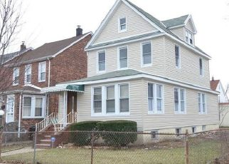 Pre Foreclosure in Saint Albans 11412 204TH ST - Property ID: 1161133165