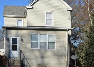 Pre Foreclosure in Bloomington 61701 UNION ST - Property ID: 1161854516