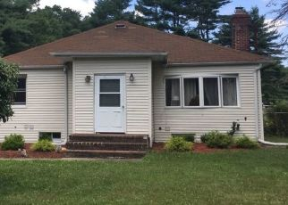 Pre Foreclosure in Smithtown 11787 HOLLY LN - Property ID: 1162058167